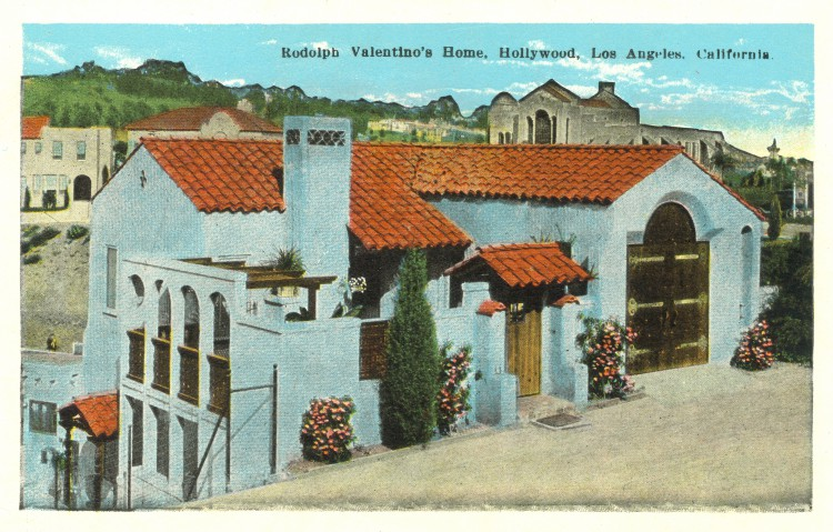 Residence of Rudolph Valentino (1895-1926). Postcard: California Postcard Co., Los Angeles (from the archive of Leo Verswijver)