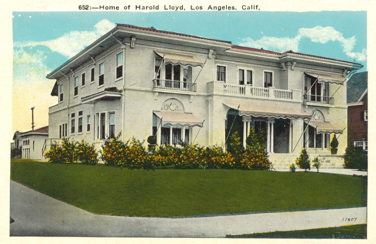 Residence of Harold Lloyd (1893-1971). Postcard: M. Kashower Co., Los Angeles (from the archive of Leo Verswijver)