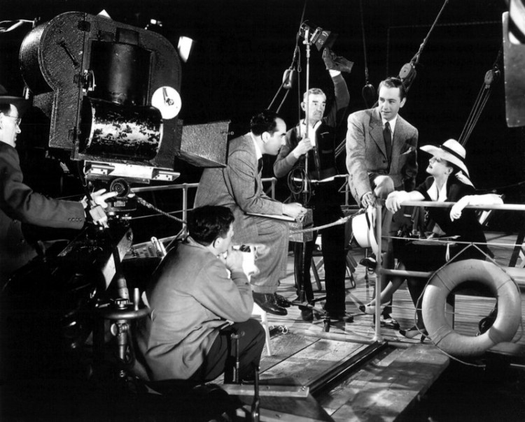 Now Voyager 01 on the set